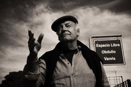 Un cuento que nos refresca la memoria y un coctel para recordar a Eduardo Galeano